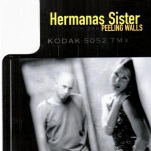 Hermanas Sister_Peeling walls